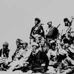 摘去眼鏡、扛著長槍...達賴喇嘛60年前變裝流亡,至今一甲子未能返鄉