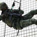 蜘蛛人飛簷走壁絕技再現!陸軍特戰隊城鎮訓練秀戰技