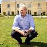 英國富翁成長史 從中學不及格到酒店大亨