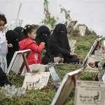 「如果沒人死,我們就在這裡閒晃!」葉門兒童放學到墓園討生活 凸顯戰火蹂躪的悲慘實況
