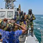 斷交前台灣軍援甘比亞的「海鷗快艇」在跨國演習中意外曝光!連「這習慣」都跟我國軍一模一樣