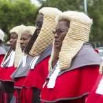 通膨破表、民不聊生,辛巴威政府卻花500萬幫法官大人買……假髮!