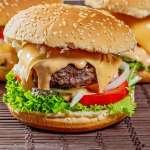 火山溫泉裡的微生物可以做漢堡、列印機噴出的蛋白質能做3D肉排!未來的食物製程超驚人
