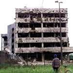 整整20年前,美軍「誤炸」了中國駐南斯拉夫聯盟使館:用錯地圖導致的悲劇、還是蓄意的一場襲擊?
