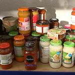 承認無法養活自己……越來越多英國人找食物銀行救濟,領取免費糧食、生活用品度日