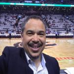 NBA總冠軍賽》勇者鬥惡龍前不可不知的標誌人物 暴龍創隊24年御用司儀康恩