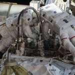 太空服充氣、進水,工作11小時只喝一口水,NASA太空人道出太空漫步的危險多變