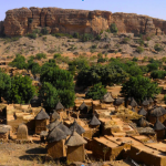 割喉、剖肚、燒成灰》西非國家馬利多貢族村落遇襲95死 疑為富拉尼族進行報復
