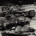 歷史現場/新新聞直擊六四》歷史浩劫目擊證言之四:坦克來了,我們不能再留下來了