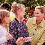她是兩個孩子的單親媽媽,也是丹麥史上最年輕總理!41歲佛瑞德里克森擊敗右翼民粹,宣布組成左派政府
