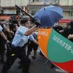 香港,分裂中》政務司長為元朗事件道歉,香港警察卻強烈反彈,與他勢不兩立!