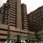 實地走訪:建築結構宛若迷宮,四樓斷電暗如廢墟,西寧國宅何以成為台北第一猛鬼大樓?