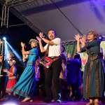 侯友宜與各族人齊唱跳 歡慶原住民族日