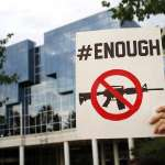 一場又一場屠殺之後,美國共和黨終於推動槍枝管制 提「紅旗法案」可沒收「高風險分子」武器