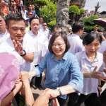 為何政治人物總是到處握手、輕拍對方肩膀?人類10個藏不住秘密的肢體語言大公開