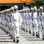 9次大功、服役10年才能獲得的「勳表」,成儀隊軍禮服裝飾品?國防部這樣說…