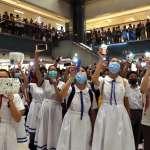 「真槍實彈都不怕,為何怕父母打壓?」談對抗政府心情,香港中學生:我們要做正確的事