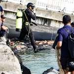南方澳跨海大橋坍塌》工兵浮橋今晨下水 海軍潛水員水下評估橋樑狀況