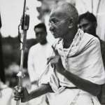 甘地誕辰150周年》殺害甘地的兇手為何被稱為「愛國者」?聖雄在當代印度的尷尬定位