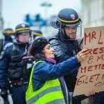 法國衰遇扒手,去找警察竟遇「兩小時午休」?專家盤點竊賊慣用手法,弄丟護照還能線上報案