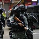 香港之亂》解放軍軍營遭雷射筆照射 舉黃旗警告示威者!