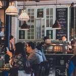 為什麼圖書館超安靜卻很難專心,咖啡廳有點嘈雜卻能輕鬆進入高效模式?學者:「分心式專心」才是最佳狀態