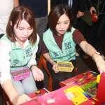 網傳民眾黨參選人李旻蔚與蔡英文合照 民進黨中央怒批「混淆視聽」、觸犯刑責