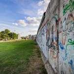 柏林圍牆倒塌30週年!起因竟是東德發言人鬧的一場烏龍? 公文沒仔細看的下場:圍牆被推倒,蘇聯因此解體...