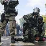 11.12中大攻防戰》學生死守「二號橋」護校園、港警狂射上千發催淚彈、校長調停也遭殃