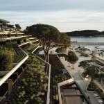 全方位綠意環繞無死角,遠眺海景融入自然景觀,克羅埃西亞公園酒店甚至這樣對待當地的老松樹...