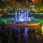 冒著寒流看迪士尼聖誕燈飾 首周末台中車站周邊湧入5萬人