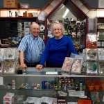 「這間店是洛杉磯同性戀史的一部分」L.A.最著名同性戀色情商店的故事:一對美國夫婦的「秘密色情王國」