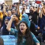 警察開槍鎮壓、首都網路斷線...印度全國抗議歧視性公民法,連續9天示威已釀9死