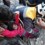 瓦礫堆下的悲劇》捱過兩次空襲、被白盔隊救出,9歲敘利亞女童淪為失去母親的非法難民