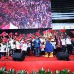 台中史上第一次 元旦邀109位老少元旦寶寶領唱國歌