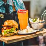 去國外餐廳點餐,為什麼不能用「No, thanks」回應服務生?盤點三種常見台式英文