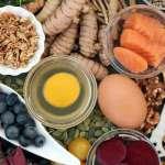 多吃莓果、堅果跟豆類能有效減緩失智症!「麥得飲食法」獲醫界認證為世界前五佳飲食法