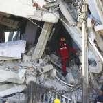 土耳其強震》善舉!瓦礫堆中徒手救人 敘利亞難民全家獲公民身分