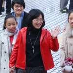 國際婦女節前 蘇巧慧串連綠委拍照、比動作挺女權
