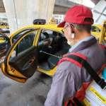 運將防疫升級 新北計程車服務中心提供消毒噴霧器