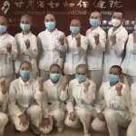 女性醫護人員慘遭集體剃光頭!中國官媒「正能量」作秀惹議:這種腦殘新聞不想再看到