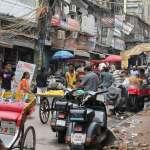 蓋牆掩蓋貧民窟、成立霹靂小組清除街上牛、狗…印度為川普來訪刻意「遮醜」行為惹民怨