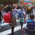 全球恐剩台灣學生仍「全面到校上課」 《彭博》讚台展驚人高規格防疫對策