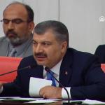 為激勵醫護,土耳其衛生部長竟號召全民陽台「啪啪啪」!39萬人狂讚:明晚再來一次