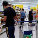 馬來西亞祭出奇招防肺炎,竟讓男人們集體崩潰!他:芥菜、菠菜和小白菜到底差在哪?