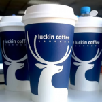 為何瑞幸咖啡的營運長要自爆營收造假?財務專家這樣分析