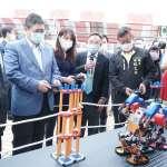 機器人移動教室全台初登場 基金會捐贈科技教具嘉惠竹縣學子