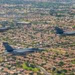 美空軍飛越鳳凰城致敬前線醫護 我F-16戰機參與其中