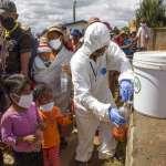 總統力推的「抗疫神飲」沒用!馬達加斯加逾20國會議員確診、2人死亡