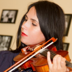 「我在一個假樂團演奏了四年」靠著顏值與裝模作樣,一位假小提琴手竟能巡演撈金的神奇故事